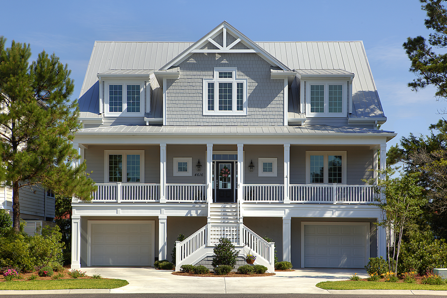 https://babbcustomhomes.com/tour-our-homes/nggallery/custom-homes/Tidewater-Plantation-%E2%80%93-South-Island-Drive